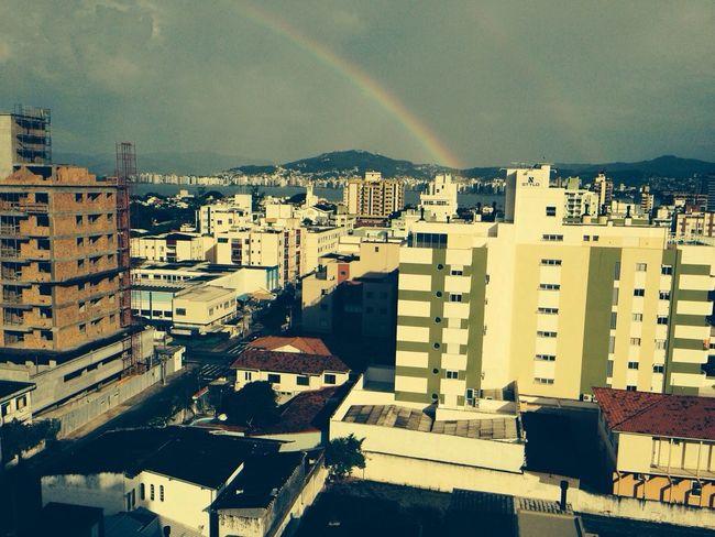 E No Fim Do Arco íris Tinha Um Grande Presente: A Nossa Cidade Maravilhosa