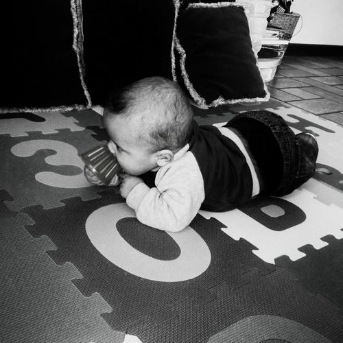 MyBoy Nephew ♡ Sixmonthsold Cheese! Playing Blackandwhite Blackandwhite Photography Babyboy Baby Taking Photos Funny Have Fun Playwithme Capture The Moment March March 2016 Boyhandsome