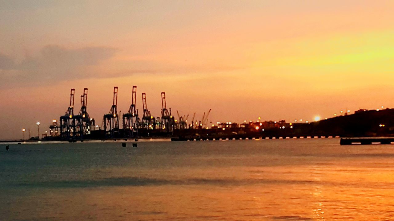 Winch Sea Port Harbor Seaport City Industry Ship Cargo Ship Container Port Container Terminal Conteiner Darkness And Light Sunset Life Citylights City Life Taking Photos Bigbuildings Buildinglights Building Urban Geometry Cityscapes Sky Nightlights