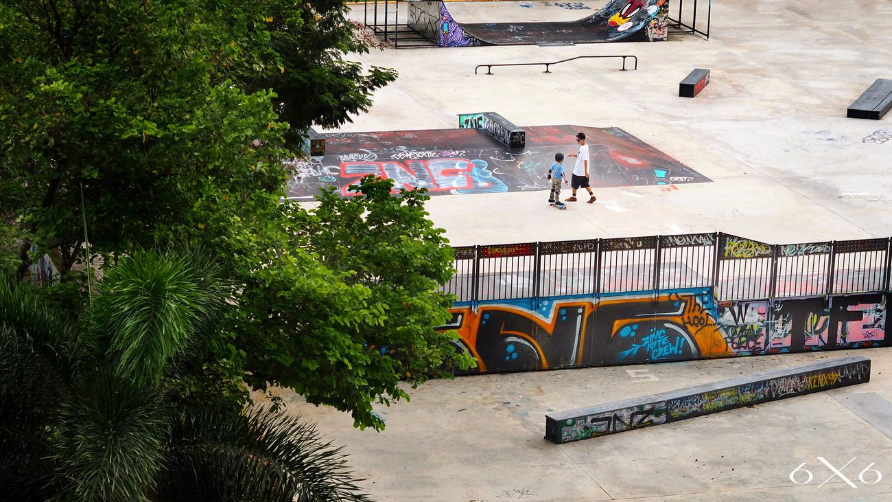 Saw this incredible moment in the skate park. Coaching Vans Passion Skatepark Skateboarding Pricelessmoments  6X6asia