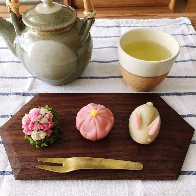 Wagashi Food Sweets Tradition Japan Spring Rabbit Sakura Tea 春の和菓子 練り切り うさぎ 桜