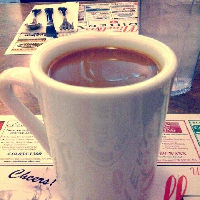 Monday at Minella's Minellasdiner Coffee Goodstarttoweek Solodining betweenclasses normalhoursdinervisit