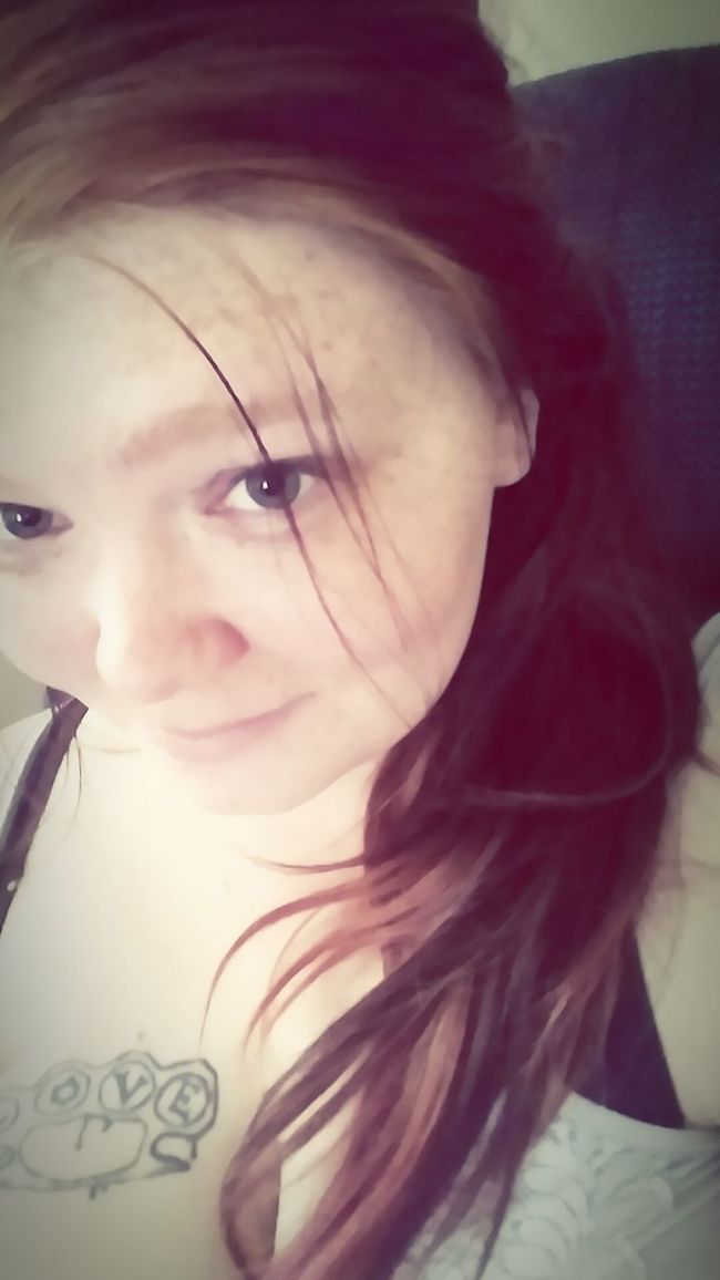 Relaxing Chillin With No Makeup On Be Yourself <3