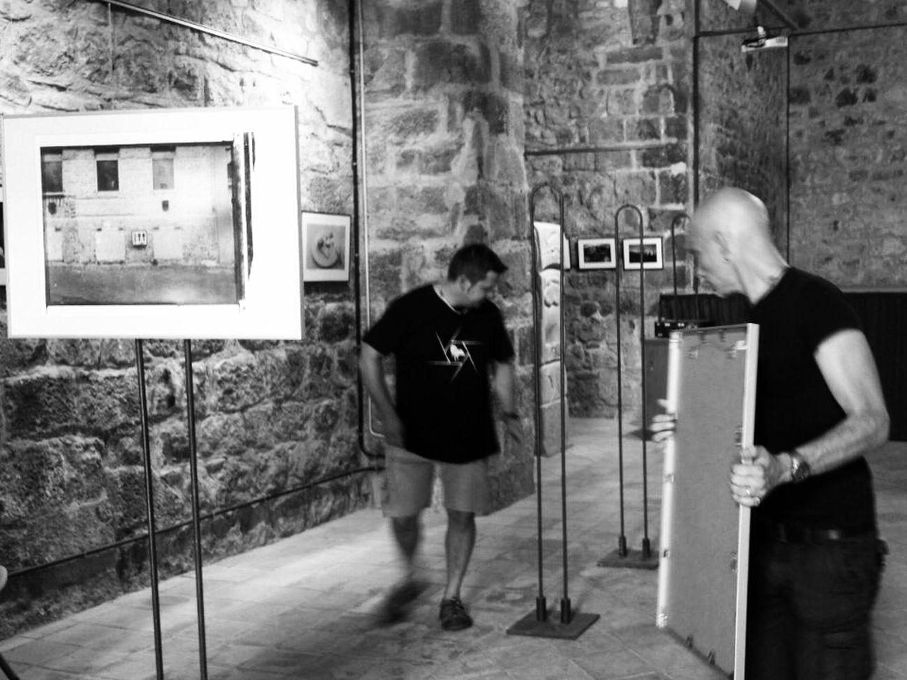 ... prepairing the exhibition in Castellfollit De La Roca .... Olot Catalunya Exhibition Biennale Daffkehollstein