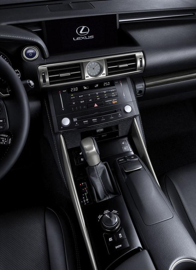 جمييييييلة ? Saudi السعودية  Car Lexus Is350