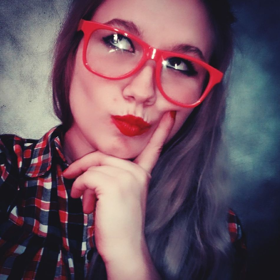 Glasses Redlips💋 Redglasses Makeup ♥ That's Me Todey's Look Pretty Funny Faces Facetiming Photoshooting 😘😘😘😚😉😉😋😋😋😁😁😁