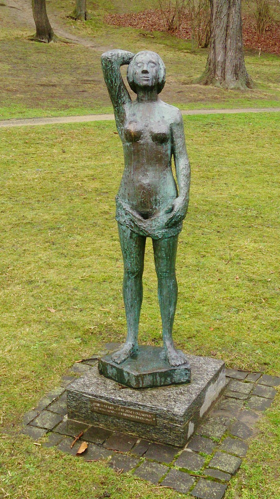 Undressed Bronze Statue Braunschweig Brunswick Statue In The City