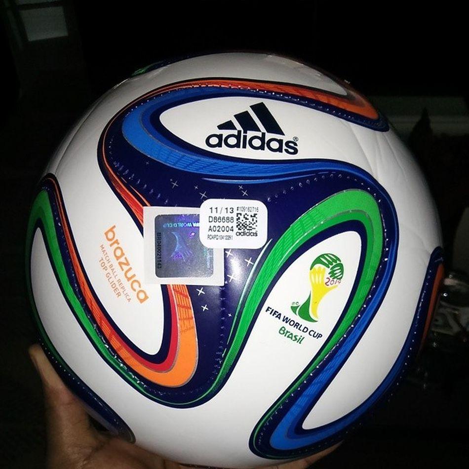Acabou de chegar: Brazuca Original Adidas. PresenteDoSogro | Missing 26 days NiverdoBispo