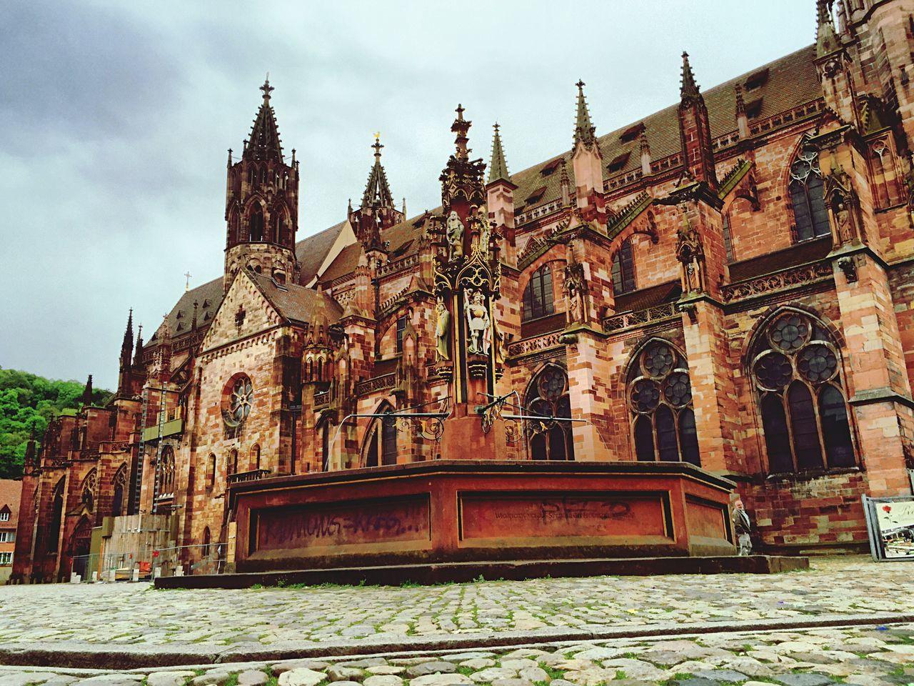 Brunnen am Münster Freiburg Im Breisgau Church