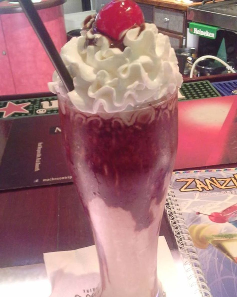 1stdate 1stmudslide Courting Yummy Tastegood i fine dey should start makin dem tuh take away nt dine in