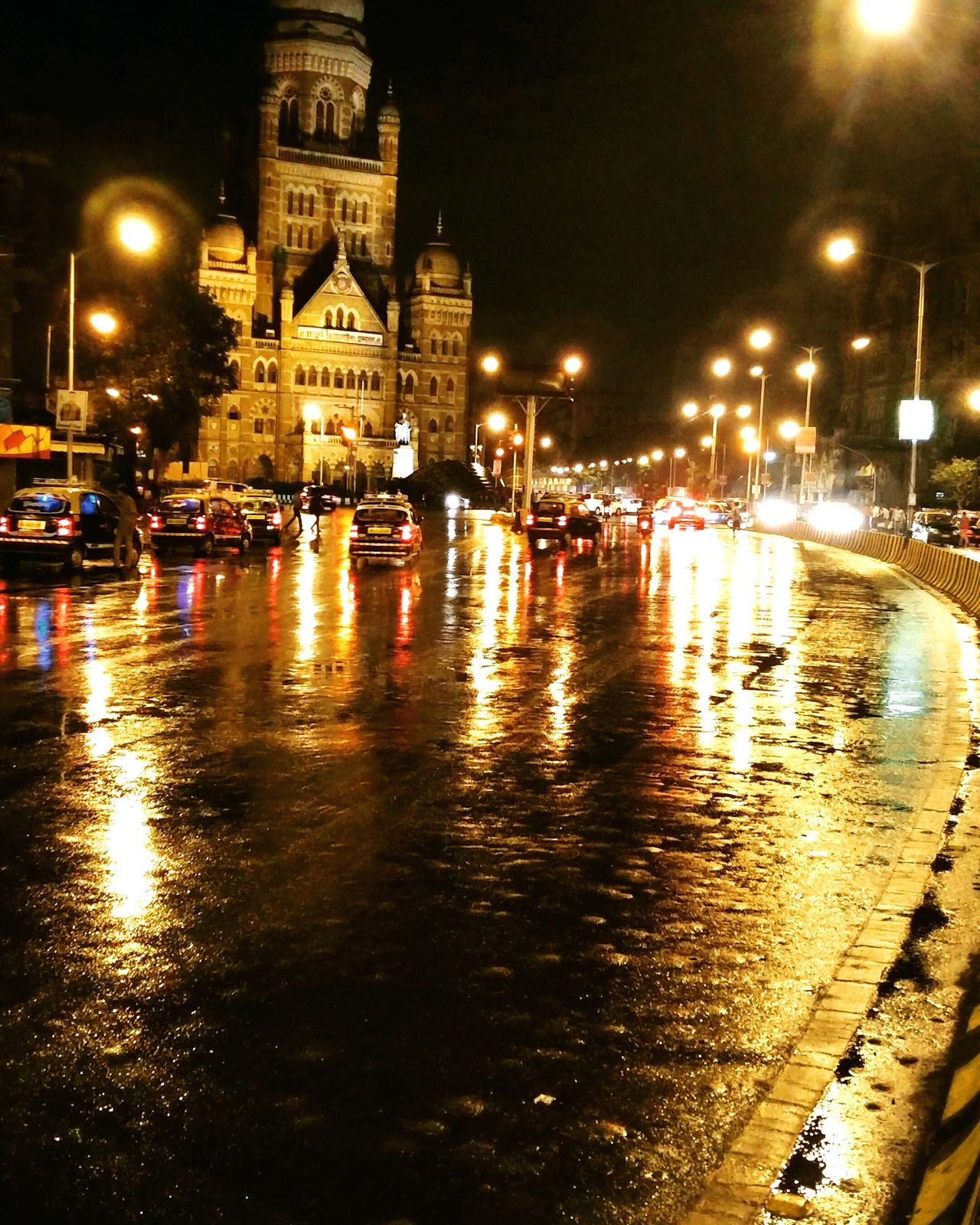 Mumbai City in rains. Vintage Cityscapes Nightphotography Nightscape Mumbai MumbaiDiaries Mumbaimerijaan India Soimumbai Streetsofindia Old Buildings Forsale