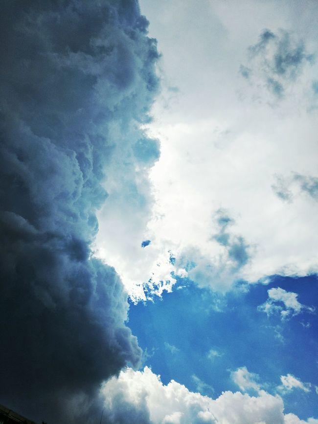 Cloudy To Overcast Cloud Taking Photos Relaxing Enjoying Life China Shadow Rainy Days Beautiful Summer Happy