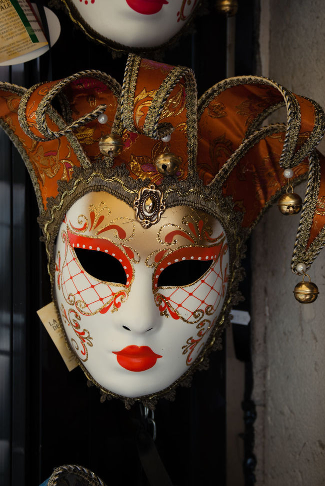"""""""Venedig"""" Human Representation Statue Art Sculpture Mask - Disguise EyeEm Gallery EyeEm Masterclass Still Life First Eyeem Photo Eyeem Photo EyeEm Best Shots Hello World People Of The City Battle Of The Cities People And Places."""
