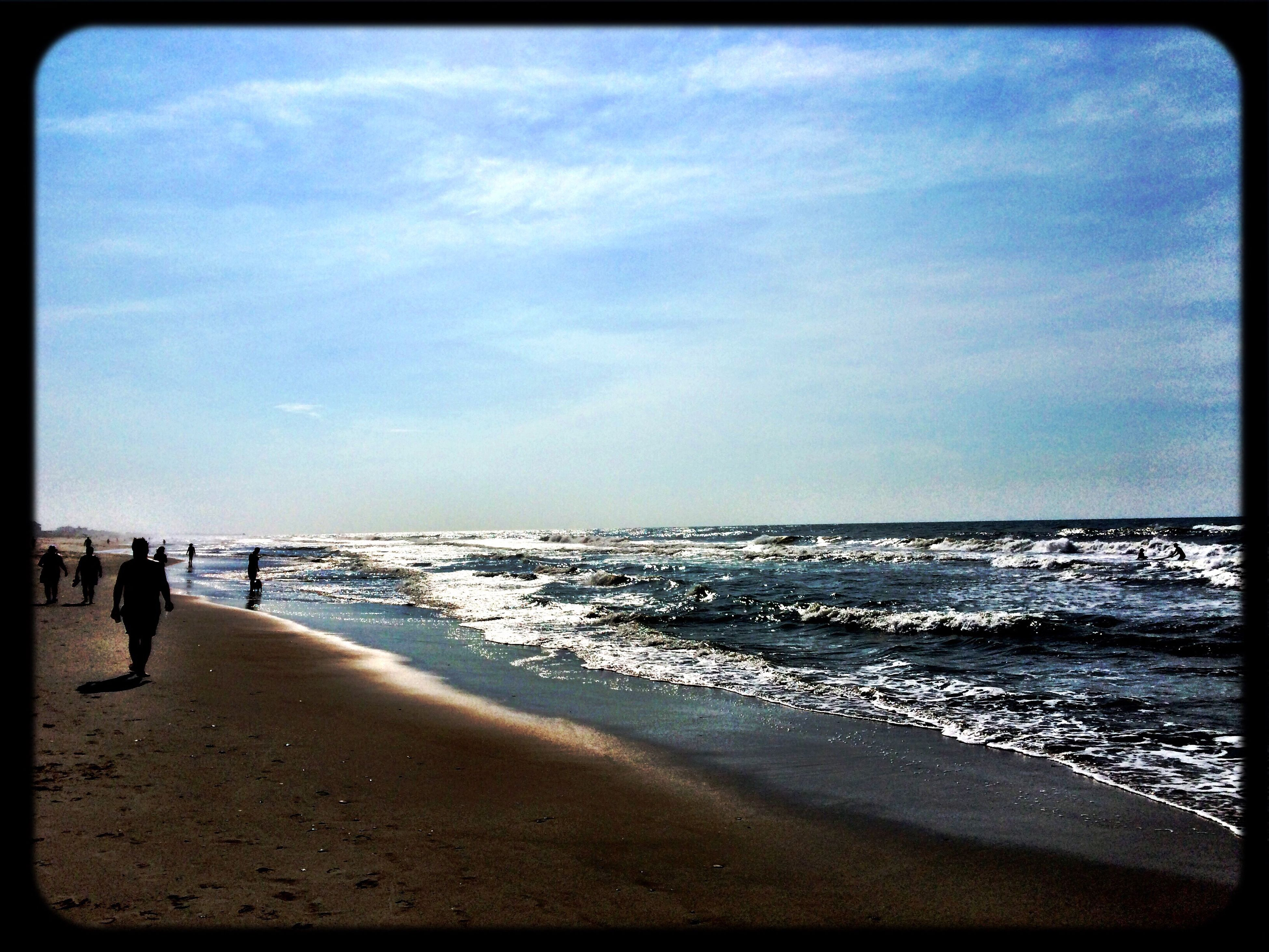 beach, sea, sand, horizon over water, shore, water, sky, scenics, tranquil scene, tranquility, beauty in nature, vacations, coastline, wave, transfer print, nature, tourist, incidental people, leisure activity