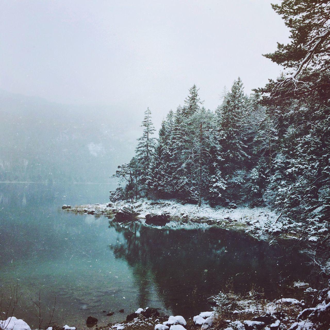 Magical winter days. Showcase: December IPhoneography Alpen Eibsee Lake EyeEm Nature Lover Winter Snow Fog Mountains EyeEm Best Shots EyeEm Best Shots - Nature