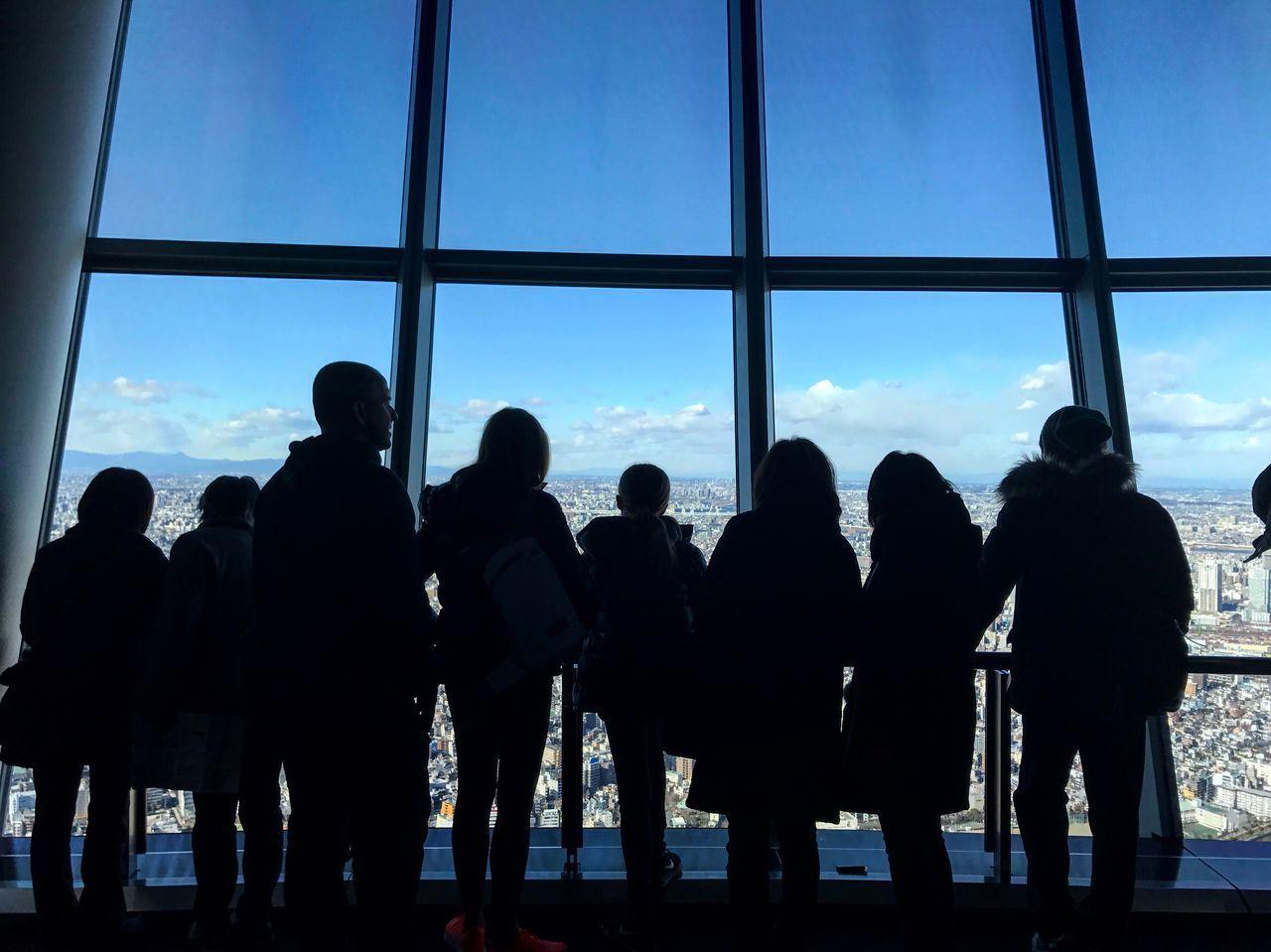 スカイツリー 東京 Window Silhouette Indoors  Men Sky Real People Large Group Of People Built Structure Travel Destinations Architecture Women Day City People Adult