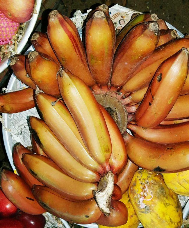 Eyeem Photography Hello World Check This Out Taking Photos Red Banana Banana Red Abyssinian Banana Pissang Raja Udang Red Dacca Beta Carotene Vitamin C EyeEm Fruitporn Fruits Food Texture Raw Food Fruits And Vegetables Fruits And Foods