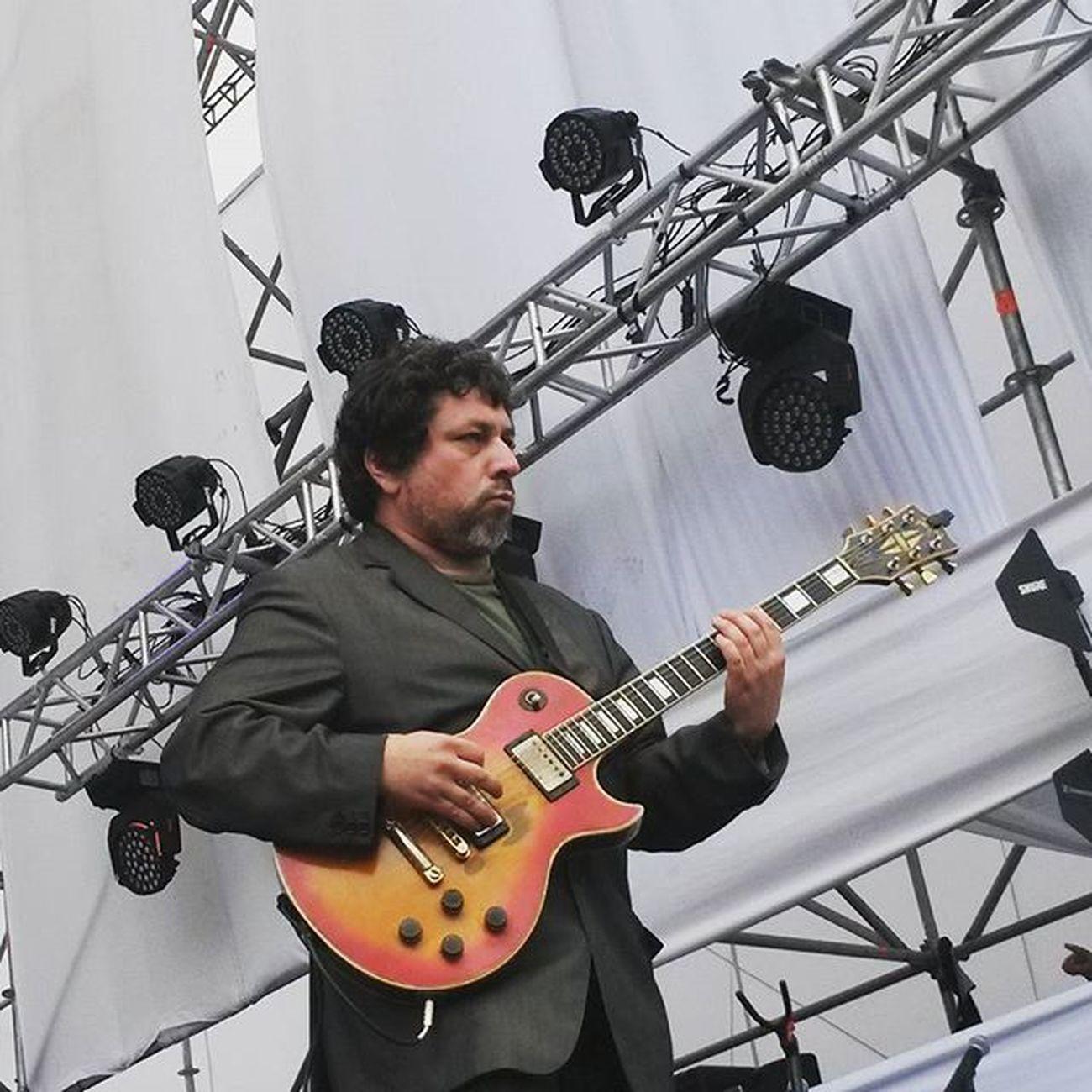 El gran Mauricio Melo tocando junto a Los Brando en Rockenconce Rock Musicphotographer Musicphotography Chile Concepción Instachile Music Musicfestival Concert Snapshot Chile_360