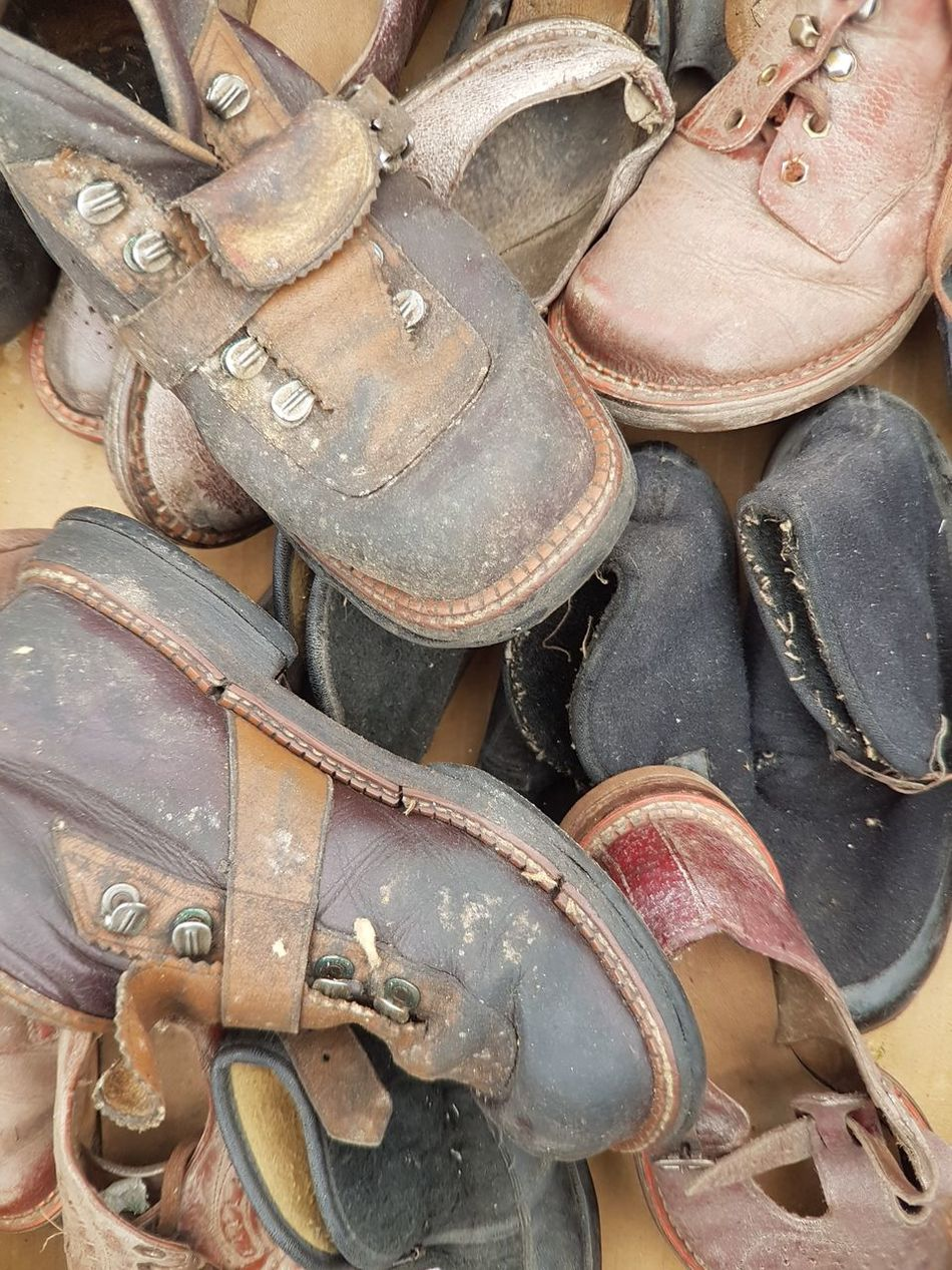 Backgrounds Shoe Shoes Old Shoes Vintage Fashion Vintage Shoes And Boot Fleamarket Flea Market Flea Markets Brocante Second Hand Secondhand Cover Background Old Clothing