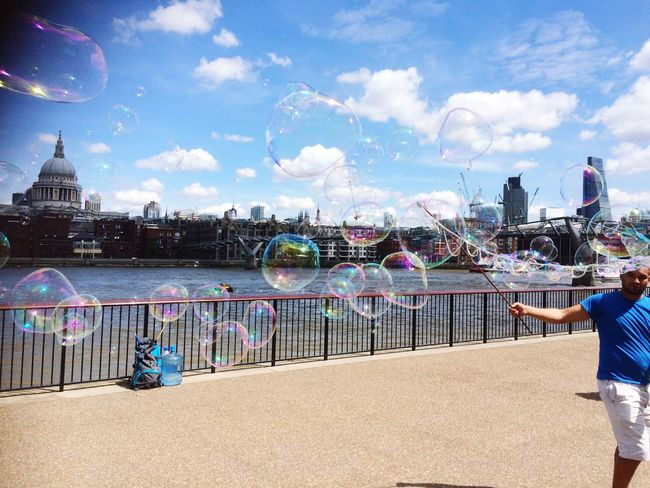 Mr Bubble Sidestreet London Bubbles Voyage St Paul's Cathedral Water Themse Traveling Travel Beautiful Soap Bubbles Children Kidsphotography Kids Themse Landside