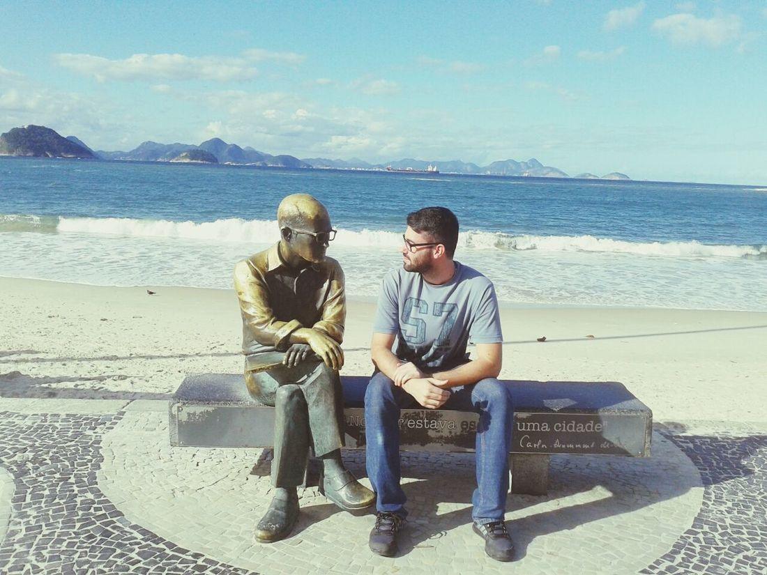 Por isso, preste atenção nos sinais, não deixe que as loucuras do dia a dia o deixem cego para a melhor coisa da vida: O amor. Beach CarlosDrummondDeAndrade Copacabana Sofitel