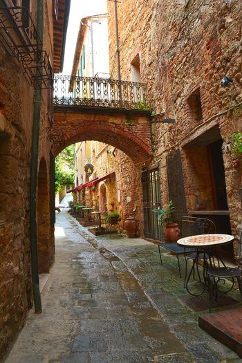 Toscany Volterra Italy Sidestreet Flair