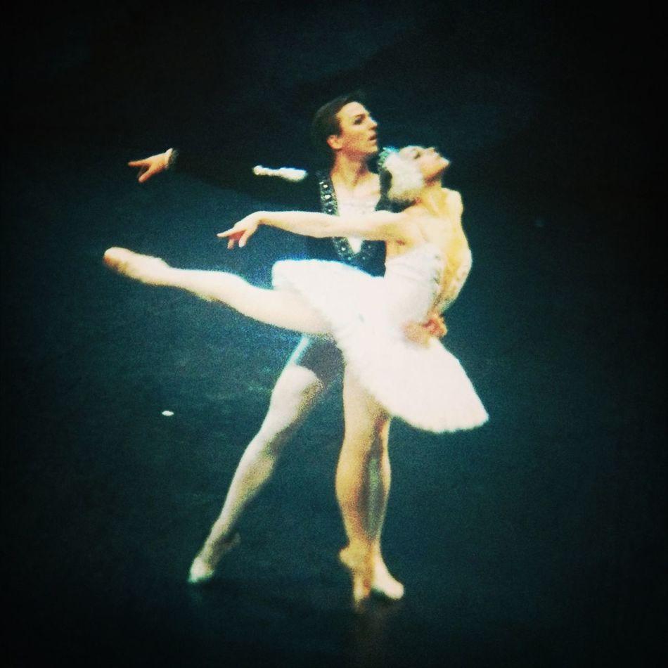 Beautiful Dancers Ballet Lago De Los Cisnes