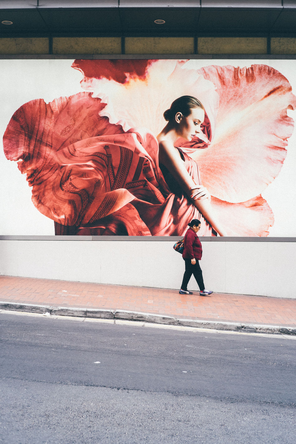 Art Is Everywhere Day Full Length One Person Outdoors People Real People Red Standing Street Fashion Street Photography Streetart Streetphotography Strideby Young Adult Young Women
