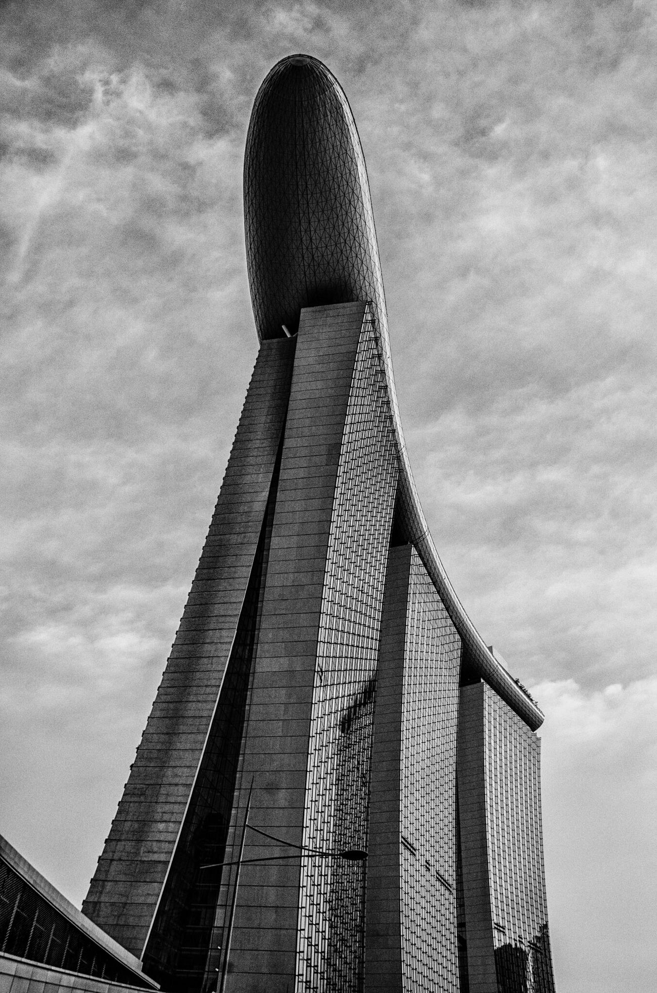 Architecture Built Structure Low Angle View Tower Building Exterior Tall - High Sky Tall Modern Architectural Feature Skyscraper Cloud - Sky Hotel Marina Bay Sands Singapore Travel Tourism Casino Balck And White Traveling