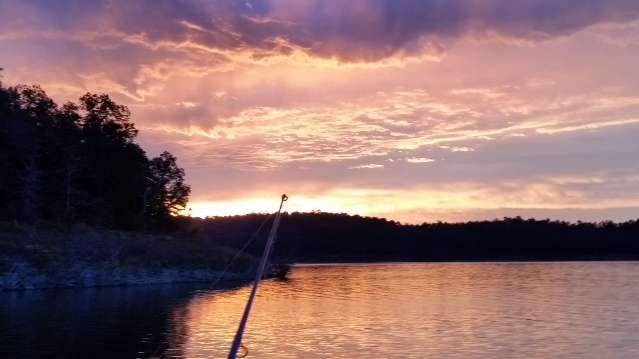 Un-Edited Lake View Fishing Arkansas_ozarks Arkansas Lake Fishing Time Lakeside Sunrise Sunrise_sunsets_aroundworld Sunrise_Collection Sunrise Porn Arkansas, USA Outdoor Pictures Beauty In Nature Outdoors Nature_collection Check This Out Good Morning Lakeview Sunrise Photography Sunrise Colors Sunrise Fishing My Year My View