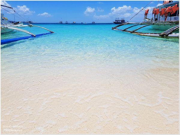 Crystal Clear Crystalclearwaters Boats⛵️ Beach Boracay Whitesands Beach BoracayIsland White EyeEmNewHere