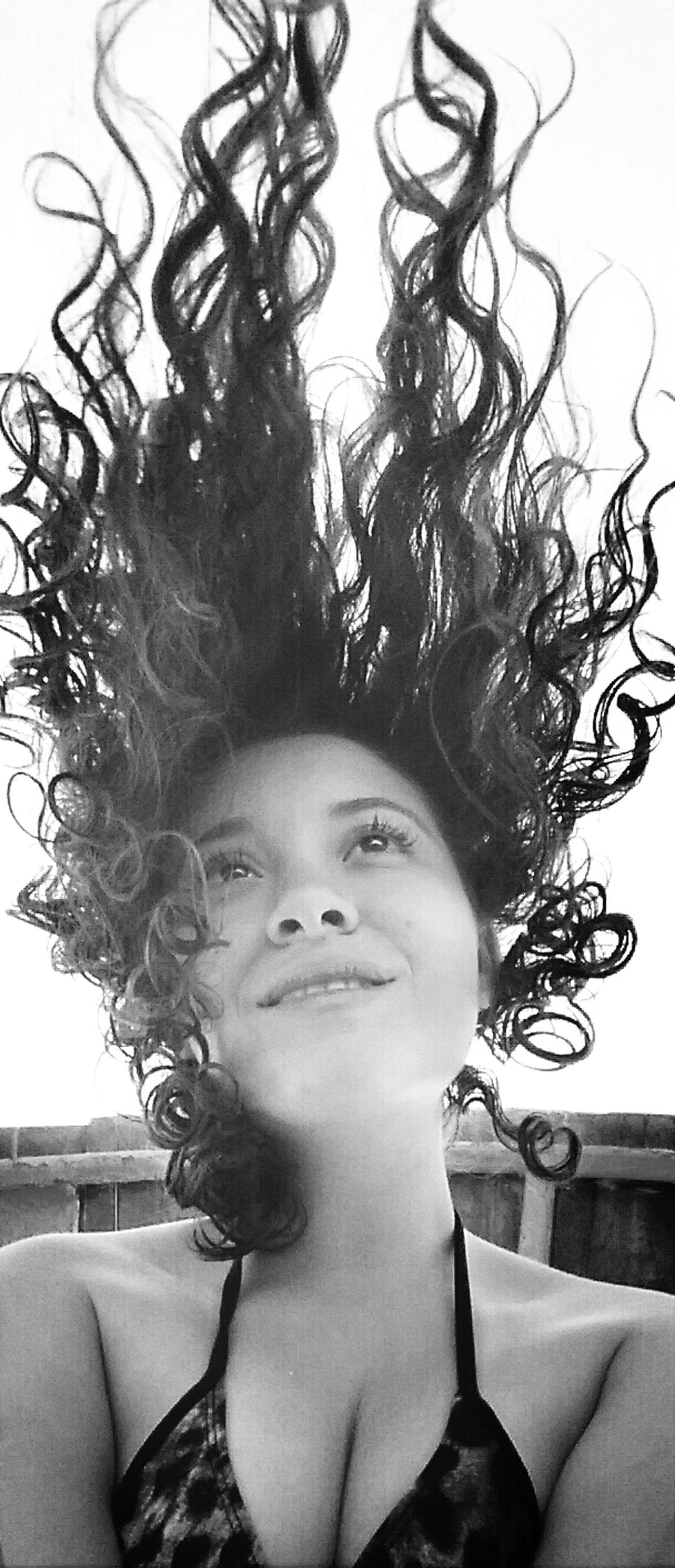 Existem coisas na vida que ñ podemos controlar. Meu cabelo é apenas um lembrete... ? What Does Freedom Mean To You? Enjoying The Sun Relaxing Time My City