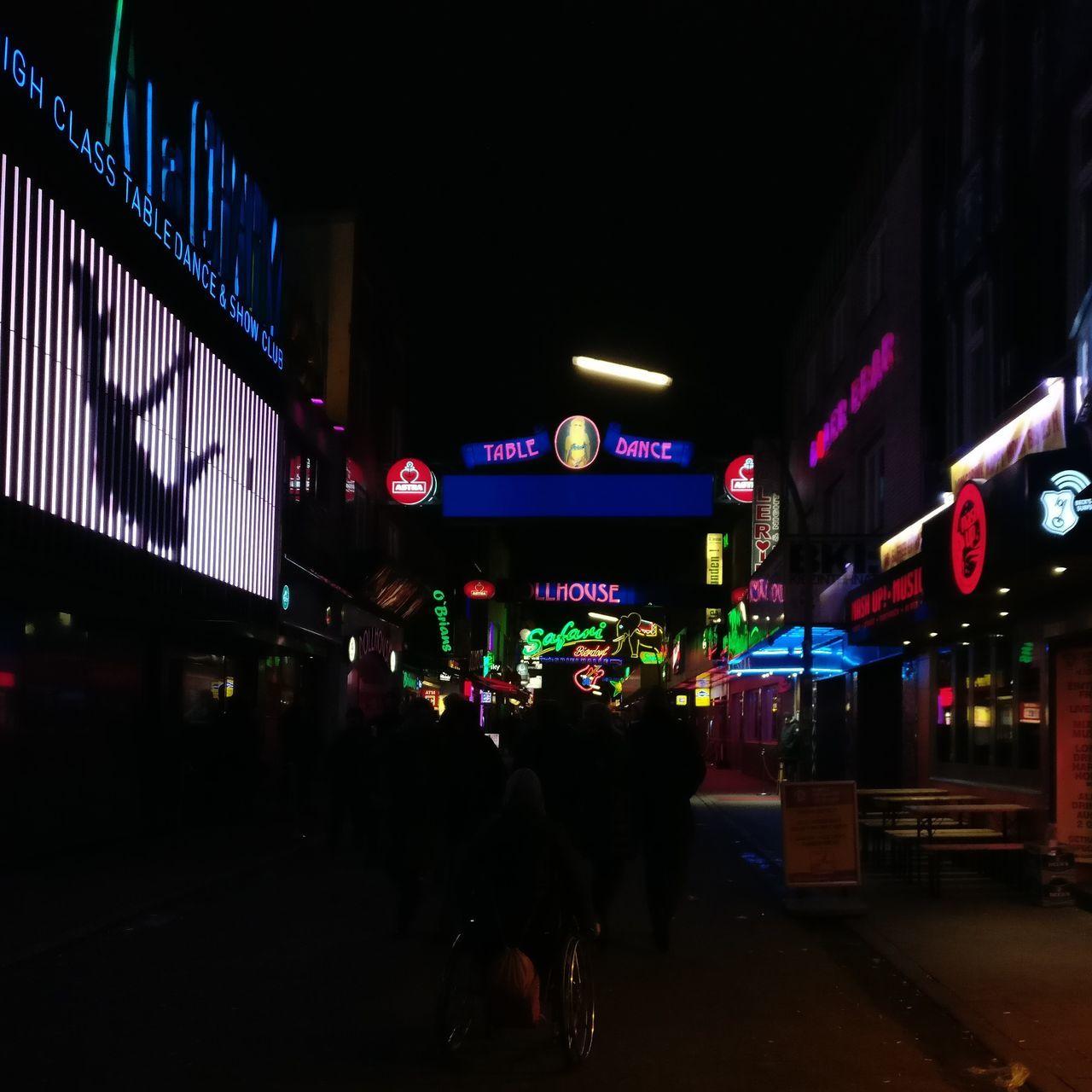 Hamburg Reeperbahn  Großefreiheit Stpauli Night Nightphotography Nightlife Night Lights Party City People Crowd Illuminated Neon Light Neon Colors Colorfull City Lights Nightout Colors Colorful