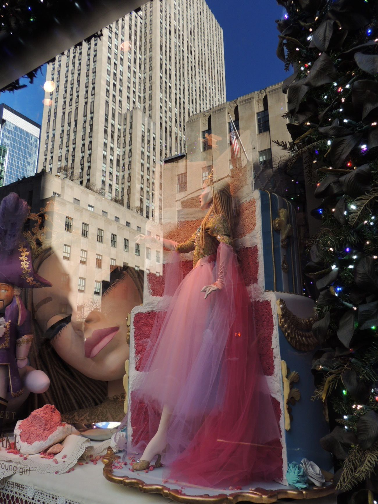 Serie :enchanting landscape of colorful candy 🍭🍭🍭 Holiday Window Creations  Multicolors  Decoration Magic Reflection_collection Building Reflections Christmastime Christmas Around The World Streetphoto_color Showcase: December Travel Photography Saks Fifth Ave Close-up I Love New York New York City United States
