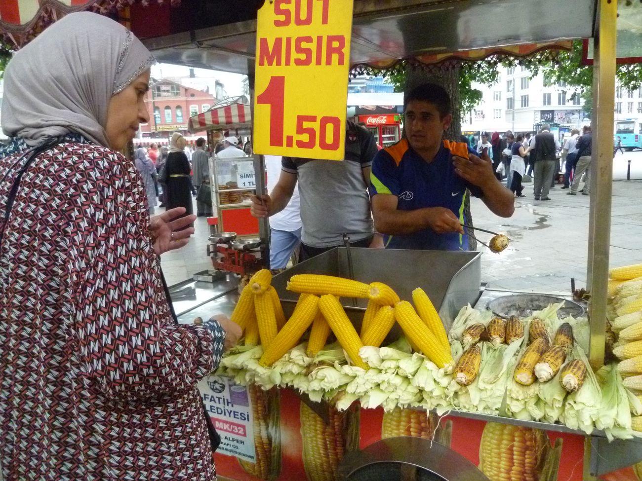 Istanbul Turkey Market Roasted Corn Turkey Travel Travelingtheworld  Taking Photos Picoftheday People
