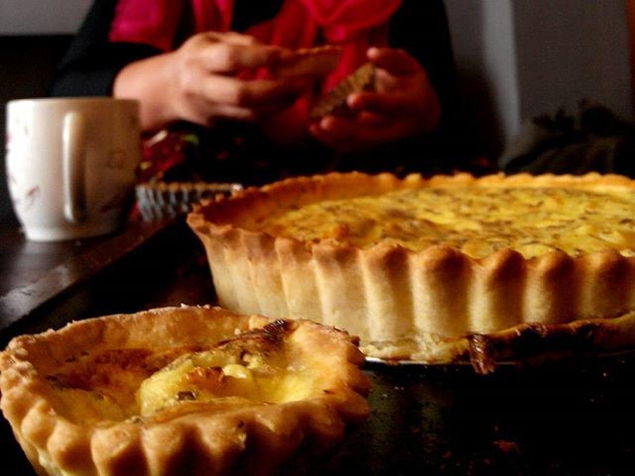Homemade Pie Saltypie @uptownsandwich Uptownsandwich Bogor Bogorkuliner Hand and Plan Lenovotography Photostory Lzybstrd