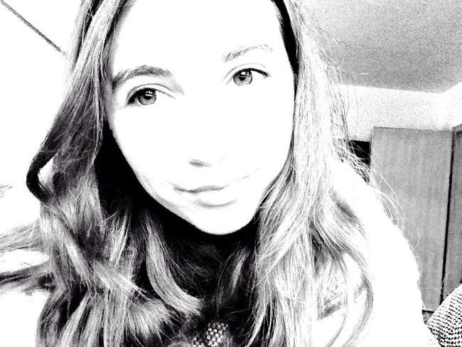 Younwildandfree Bigeyes Beauty Selfie