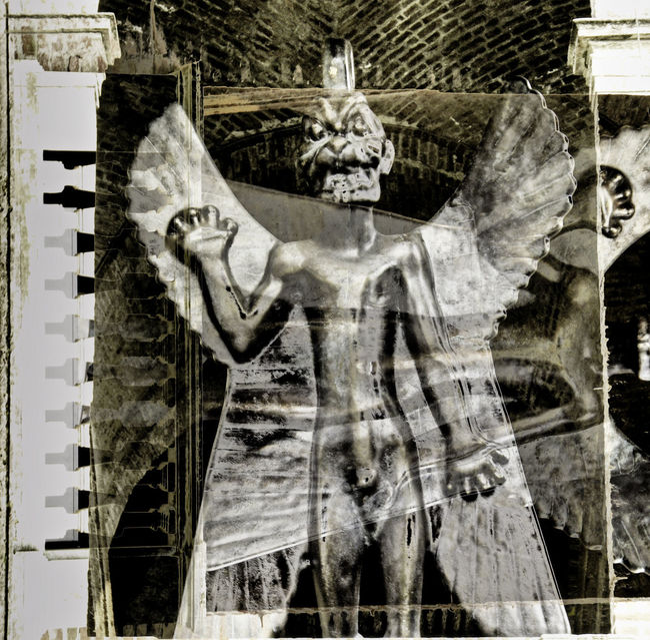 Pazuzu http://www.goear.com/listen/90d0bd3 Art And Craft Craft Creativity Demon Eye4photography  EyeEm Best Edits Graffiti Human Representation Pazuzu Religion Sculpture Statue Showing Imperfection