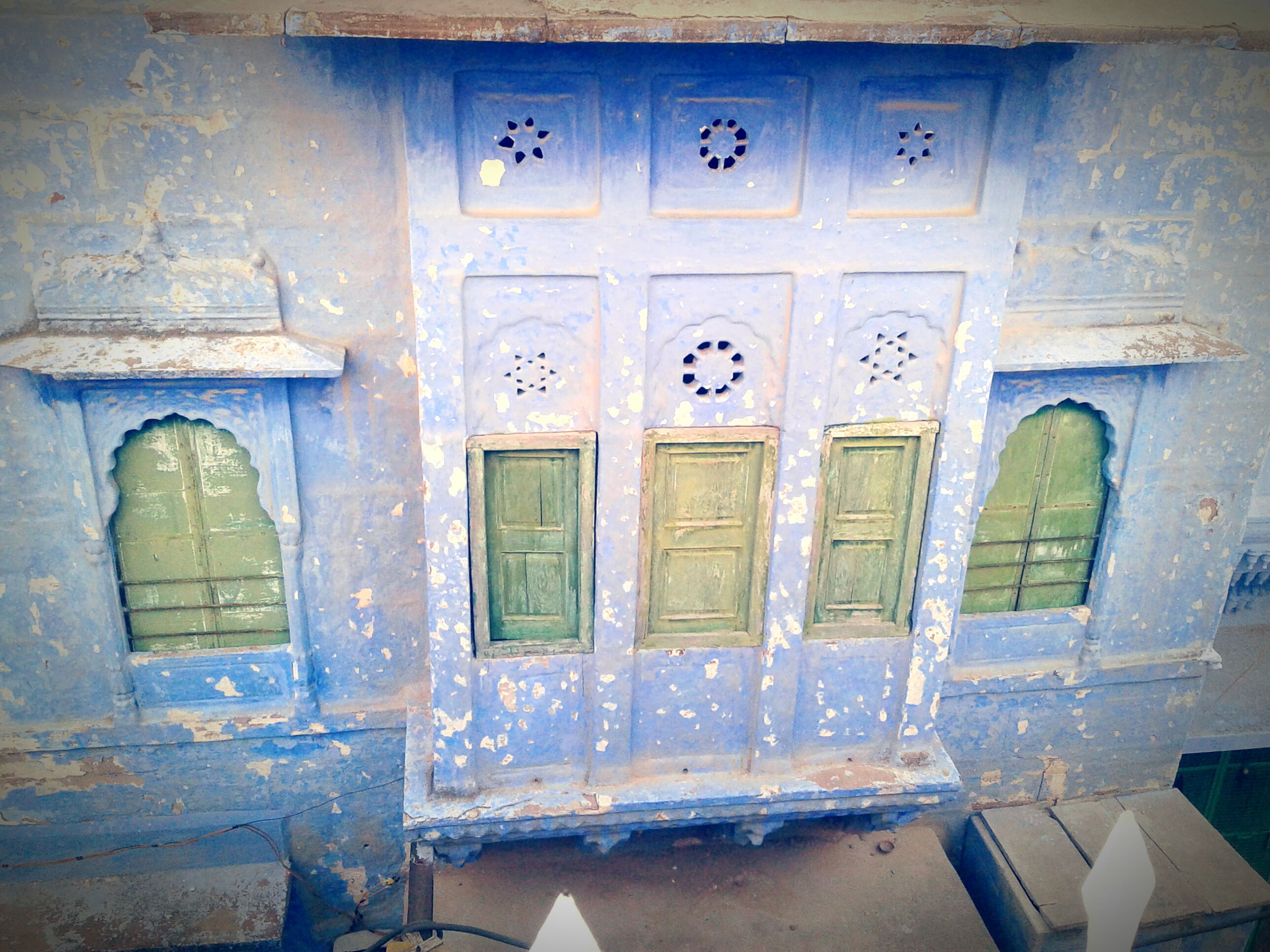 Out of the box..😉 Door No People Architecture Outdoors Day Close-up Click_n_share Click Click 📷📷📷 Cool_capture_ Hidden Places Blue Windows Built Structure Old House Old Structures Indian Culture  Indian Paintbrush Indian Artwork Artistic Photography Art Is Everywhere Historic Buildings  Blue City ...