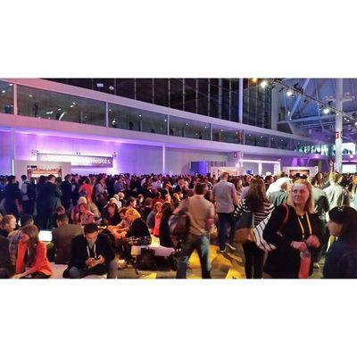 Crowds on crowds...10000 Marketers under one roof Inbound14