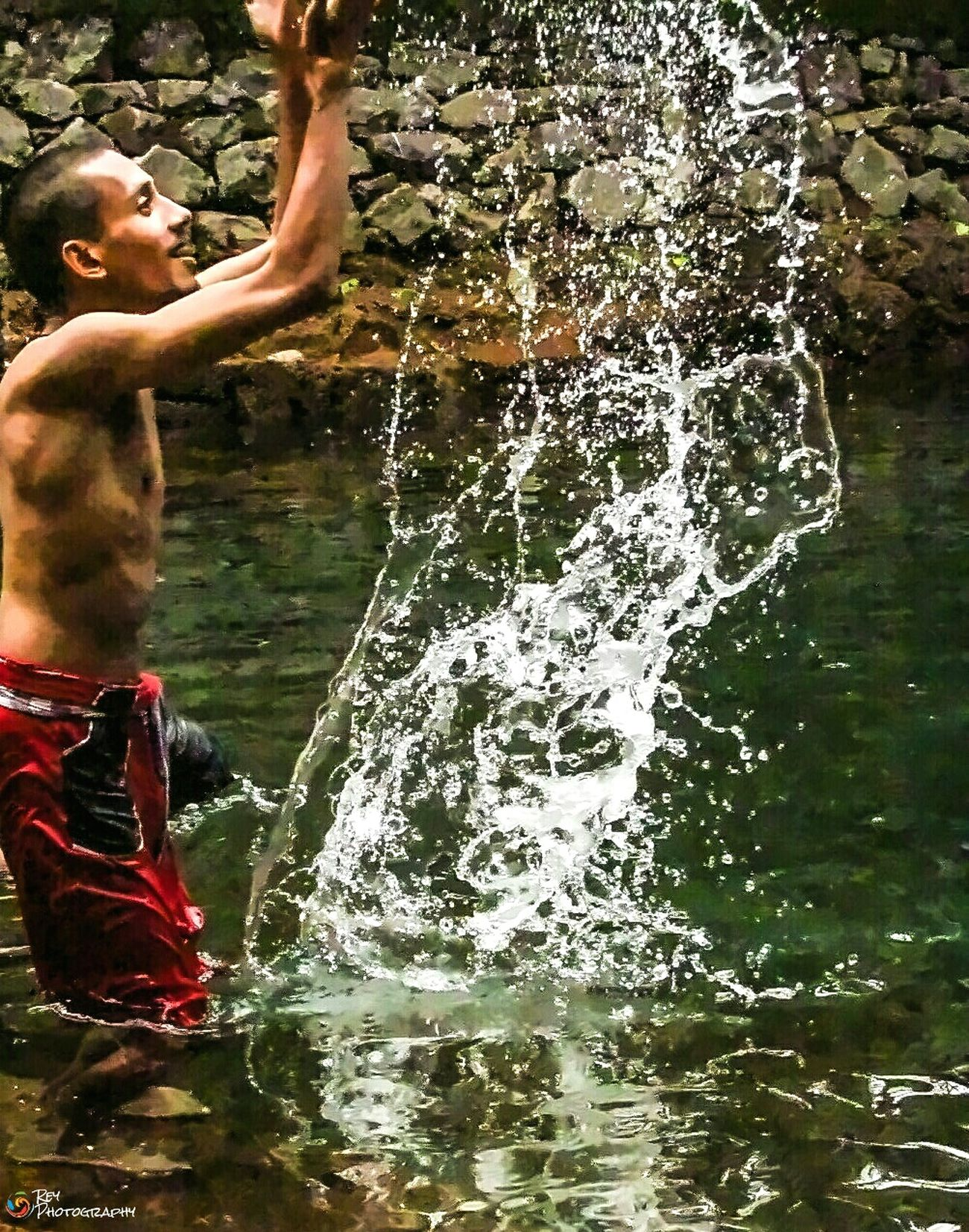 Capturing Freedom setting himself free..!! Open Edit Stressreliever Waterdrops Breakfree SetFree Enjoy Life Countryside Popular Photos EyeEm Best Shots