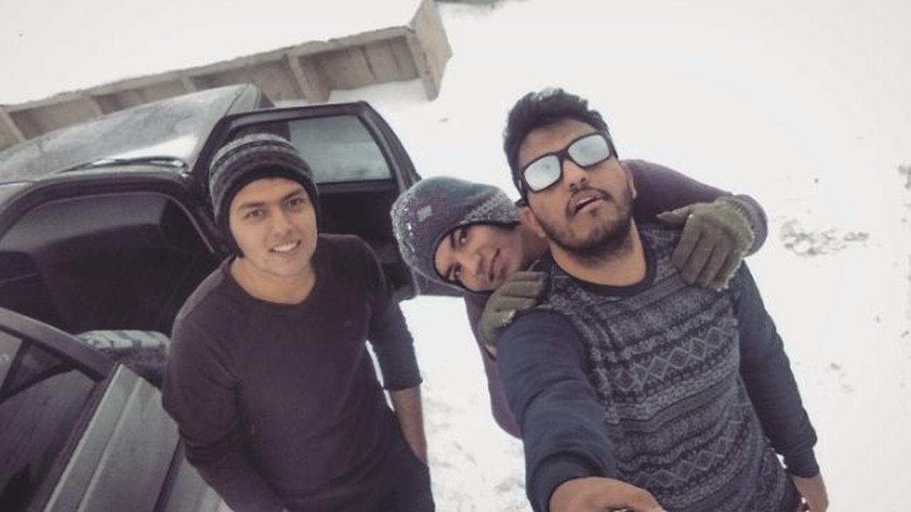 خوش میگذره وقتی با داداشیا میری کوه ... لش مریض خفن کوه برف پاره @abbasbli8482 @ahmad__sd