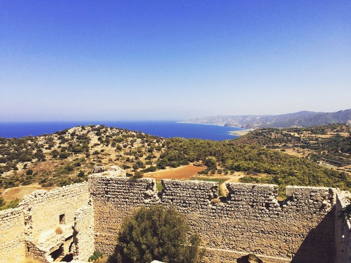 View from inside the castle. Ancient Architecture Eye Em Around The World Taking Photos Summer Architecture Traveling IPhoneography Landscape View Nature