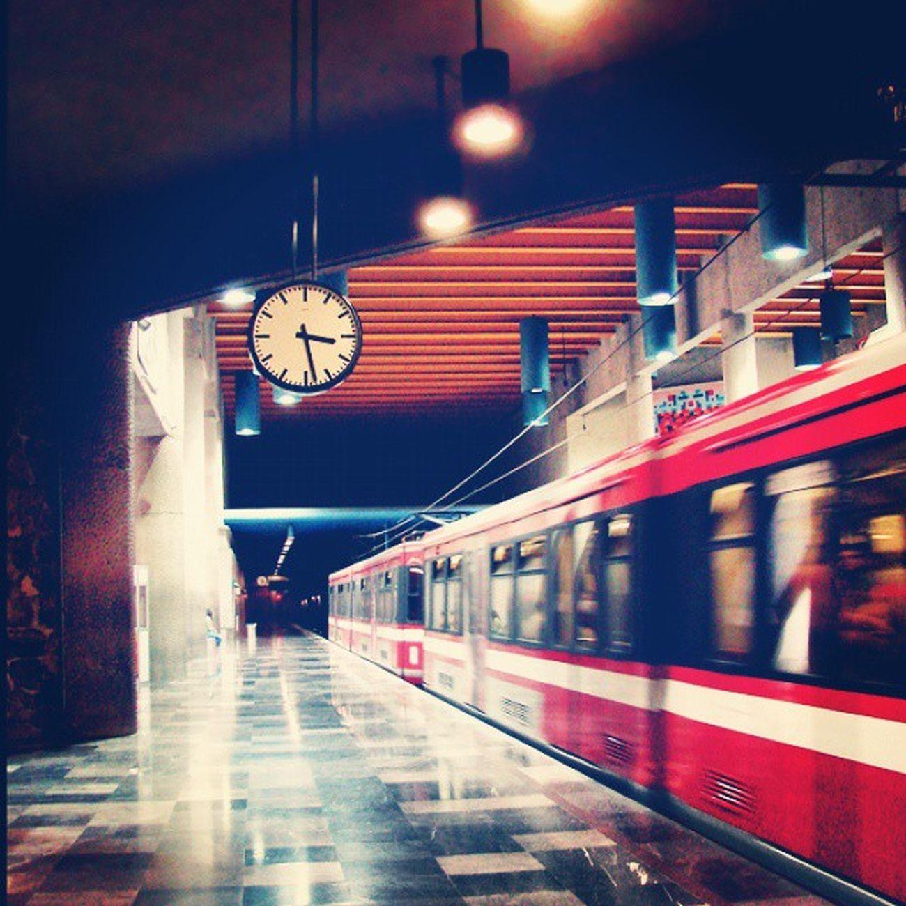 Estación Juarez TrenLigero Gdl que más quieres pues ^_^