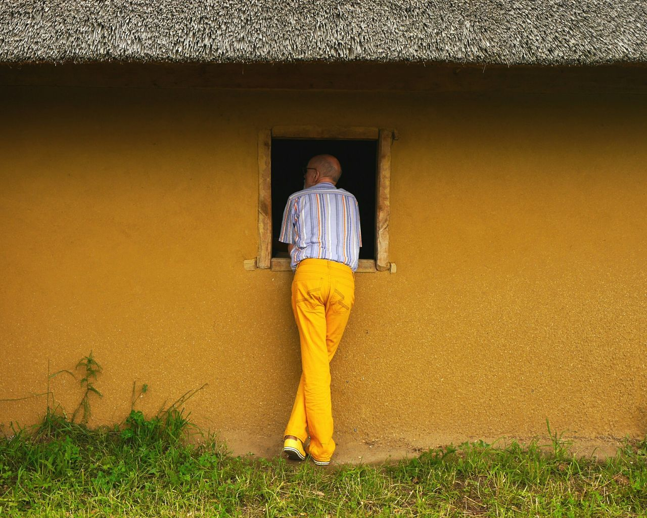 Beautiful stock photos of senior, real people, standing, full length, rear view