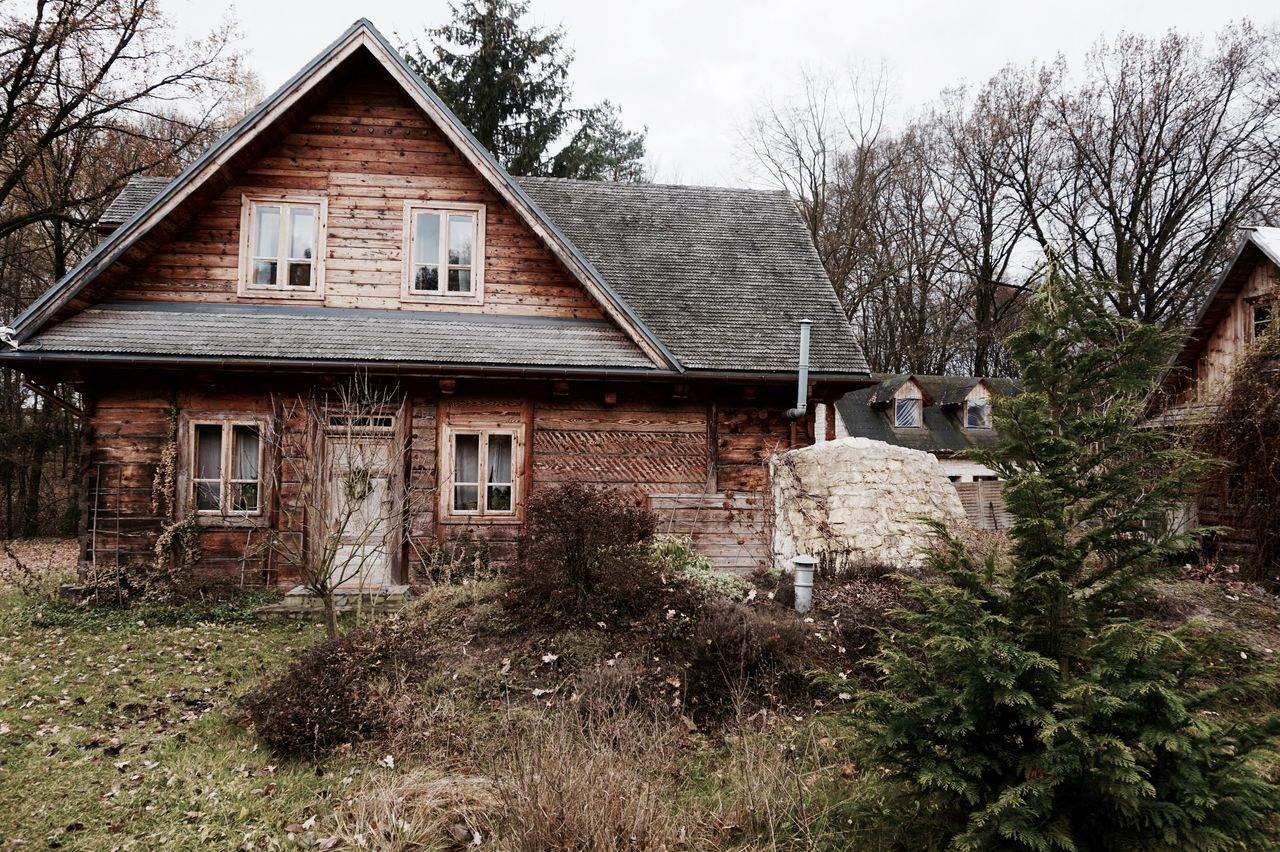 Abandoned Architecture Building Exterior Country House Countryhouse Countryside Day House Landhaus Landhaushof Landhouse No People Old Outdoors Perspective Poland Retreat Retreatmode Window Yoga Retreat
