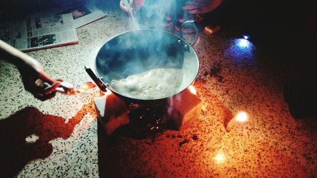 Late nyt tea party.. PowerCutAftaAHvyThunderStorm.. Jugad.. Paperburnt .. :-P..