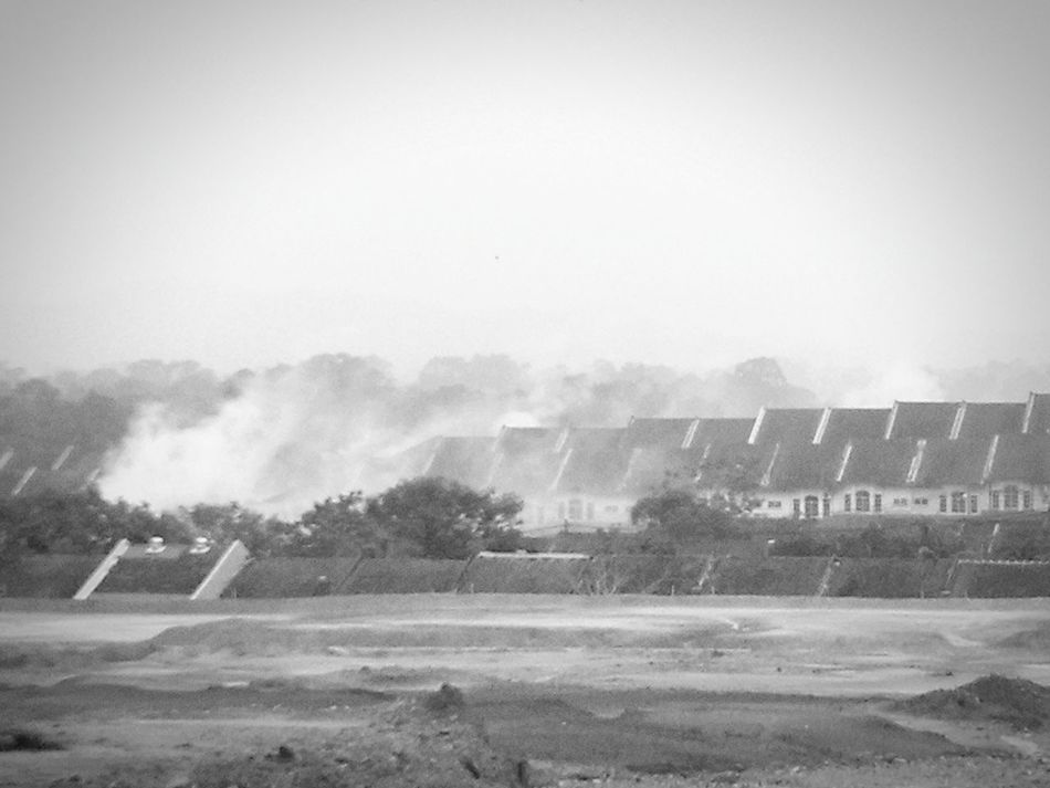 Smoke Home Bnw_life Fresh Air Open Edit Black And White Fogging Fog City