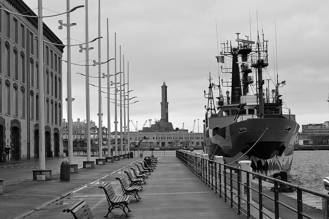 Animalisti Black And White Genoa Port Harbour View Harbour View Lighthouse Port View Save Whales Sea Shepherd Sea Side