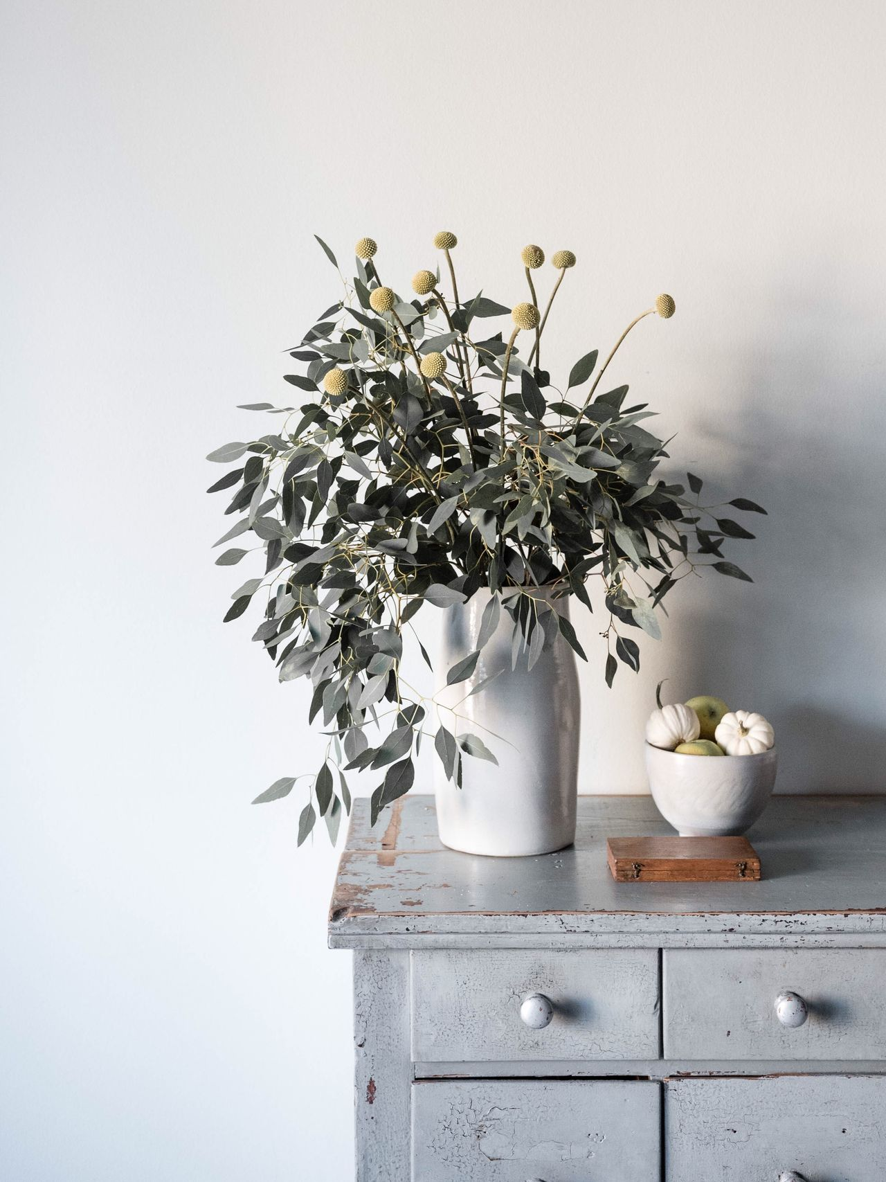 Flowers Decoration Bunch Of Flowers Flower Arrangement In Bloom Shelf Vintage Style Interior Views Lifestyle Photography Home Morning Light Home Atome StillLifePhotography